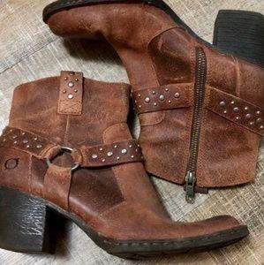 Born Slater boots